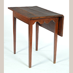 "Fig. 27: Bedroom table (or single-leaf table), 1800–1825, discovered in South Carolina. Cherry; HOA 29"", WOA 32"", DOA 20"" (closed). Private collection, photograph courtesy Garth's Auctions Inc., Delaware, Ohio."