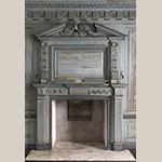 Fig. 20: Chimneypiece in Drayton Hall's first-floor great hall possibly made by Robert Deans and carved by Henry Burnett, 1750–1752. Photograph by Gary Albert.