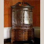 Fig. 6: Bureau Cabinet, Ireland, c. 1760. Mahogany with unrecorded secondary woods. Collection of the Castletown Foundation, Celbridge, Co. Kildare, Ireland.