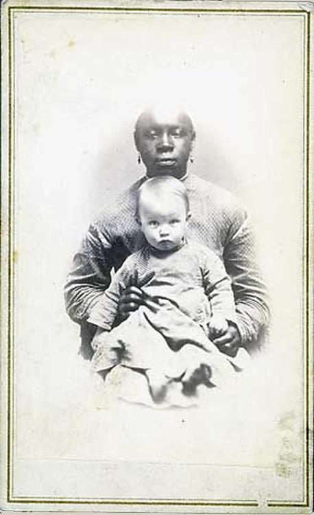 Slave Cloth and Clothing Slaves: Craftsmanship, Commerce