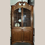 "Fig. 67: Corner cupboard, 1800–1825, attributed to Greene Co, TN. Walnut with lightwood and darkwood inlay; HOA: 93-1/4"", WOA: 44"". Collection of the East Tennessee Historical Society, Acc. 2008.28.1, Knoxville, TN; Photographs courtesy of Middle Tennessee State University Center for Historic Preservation, Murfreesboro, TN."