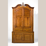"Figure 1: Corner cupboard by Moses Crawford, 1790-1800, Knox County, Tennessee. Walnut with yellow pine and tulip poplar; HOA: 101-1/4"", WOA: 56-1/2"", DOA: 23-1/2"". Collection of the Museum of Early Southern Decorative Arts (MESDA), Acc. 5422."
