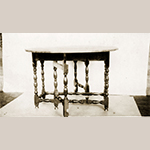 Fig. 13: Photograph of Parkins-Hollingsworth family walnut gate-leg table, 1715–1730, possibly New England; photograph possibly by Alfred D. Henkel, 1900–1920. Collection of the Stewart Bell Jr. Archives, Alfred Henkel Family Collection, no. 162-8 wfchs, Handley Regional Library, Winchester, VA.